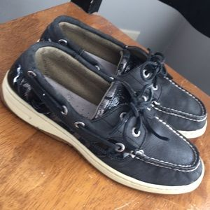Sperry's size 6